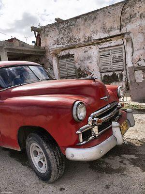 Cuba_Cojimar_redvert.jpg
