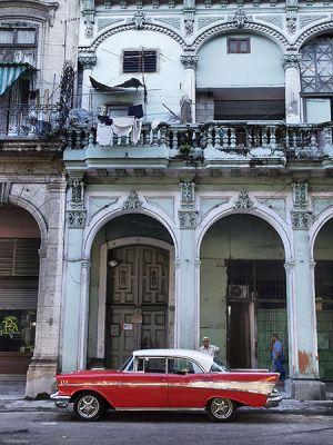 Cuba_Havana_RedBelAir.jpg