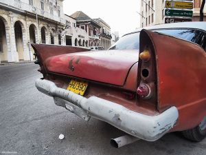 Cuba_Havana_RedTailFin.jpg