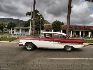 Cuba_Vinales_Cruiser.jpg