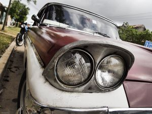 Cuba_Vinales_RedHeadlight.jpg