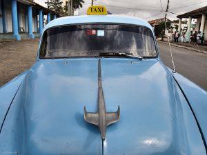 Cuba_Vinales_blue_tasi.jpg