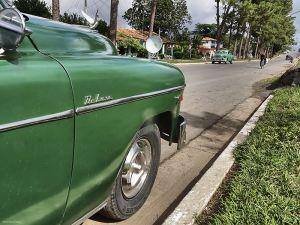 Cuba_Vinales_greentwins.jpg